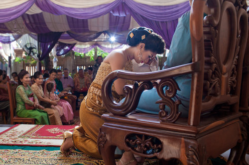 destinationweddingphotographercambodiabaliweddingphotograhergreenweddingshoes5